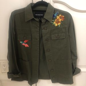 Green jacket with embroidered flowers small